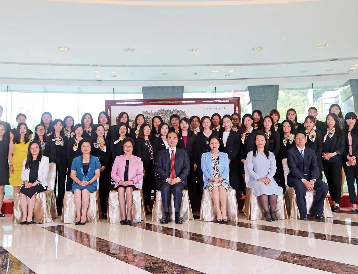 國際事務培訓班學員拓視野