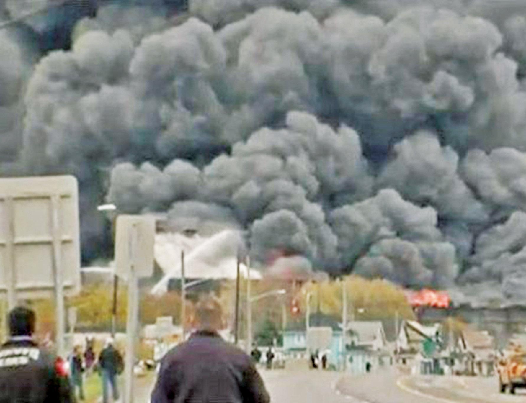 逾百消防員出動救火