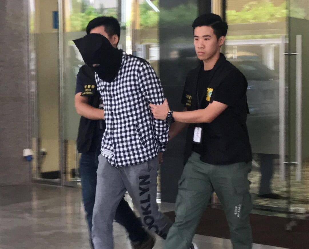 司警拘18歲男學生