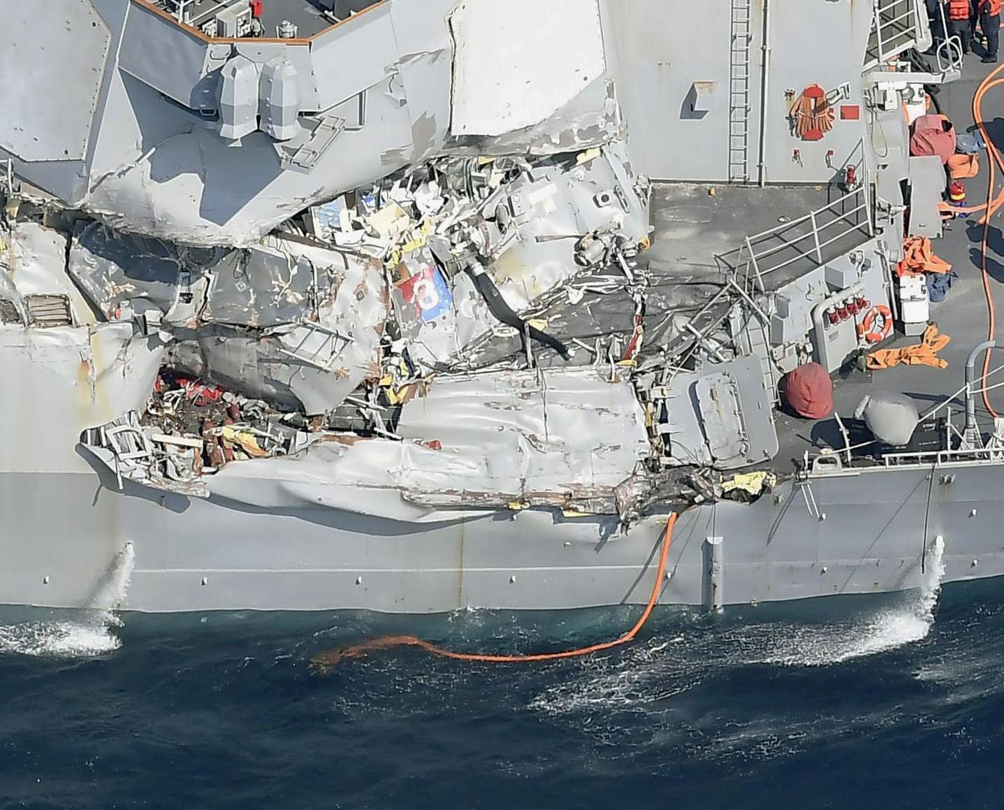 美軍艦與菲貨船相撞三傷七失蹤