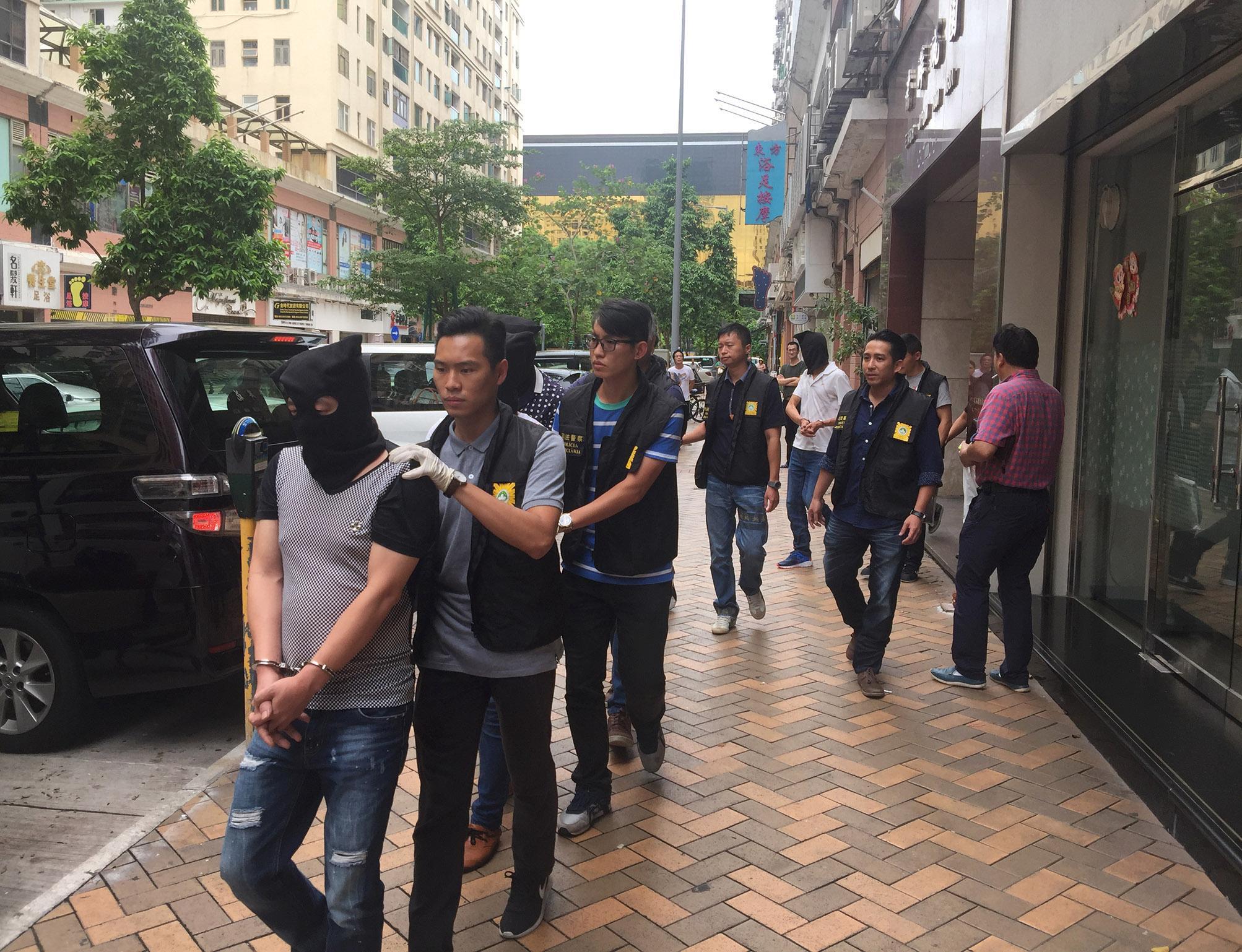 拘捕17名涉案內地男子