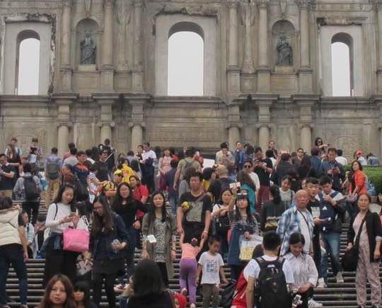 內地旅客稱應加強宣傳文明出遊