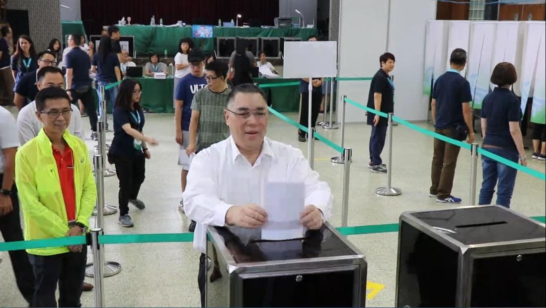 崔世安 : 投票過程有序進行