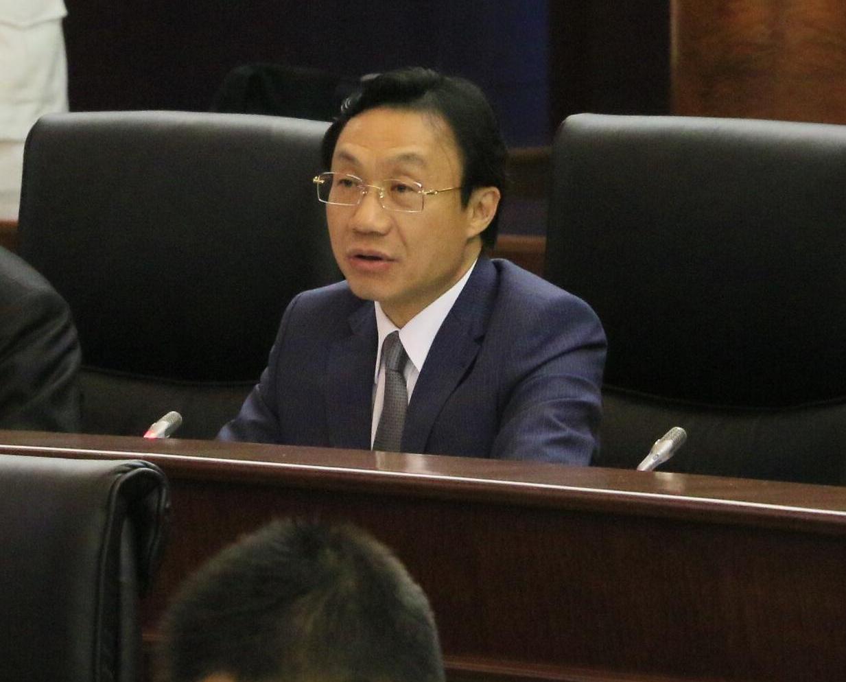 譚俊榮:傳染病大樓降低高度
