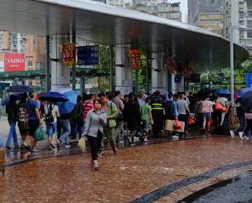 遊客:公共交通太不便