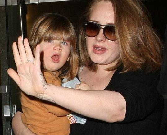 Adele甘願為兒子戒煙酒