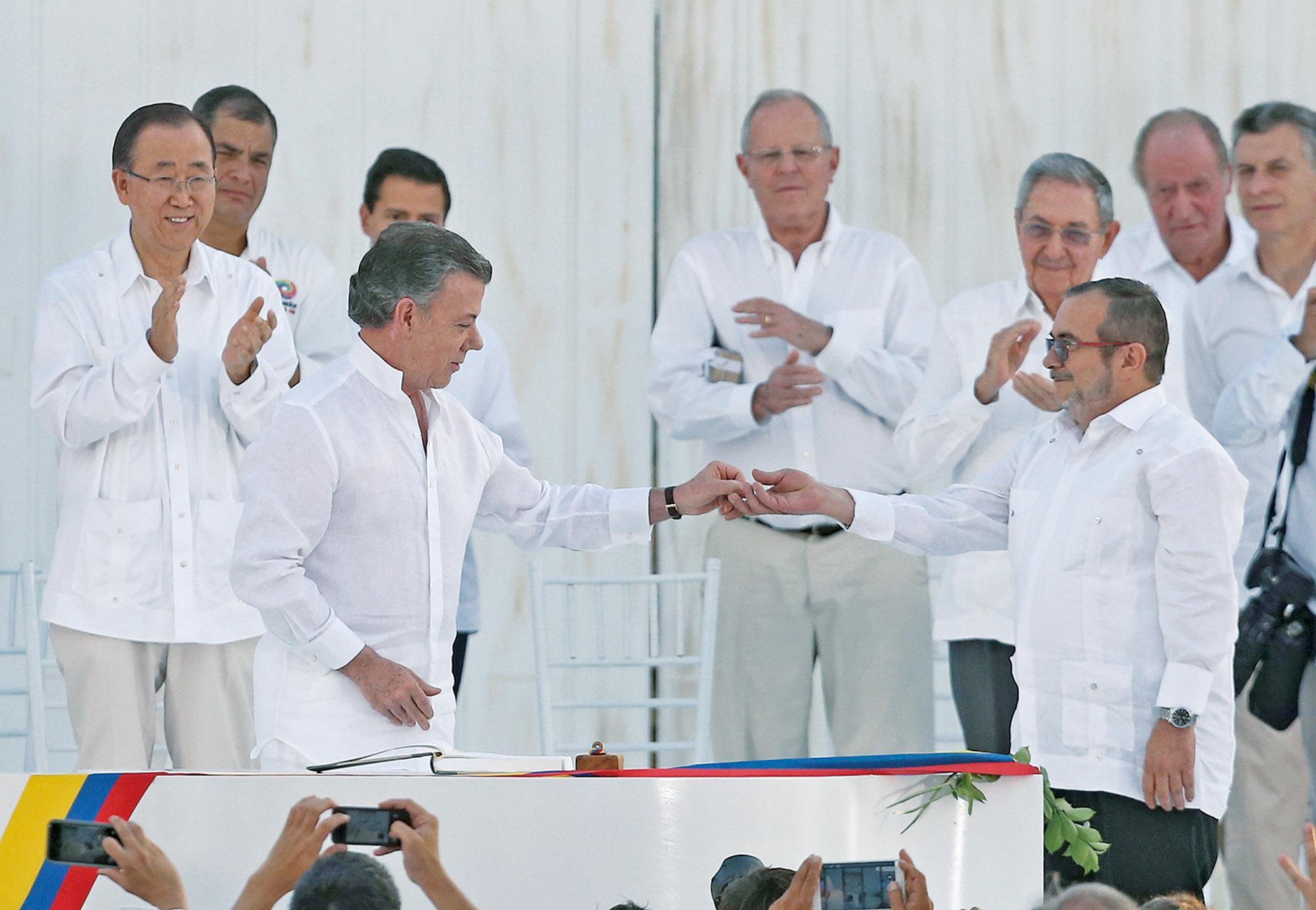 哥國與叛軍簽和平協議