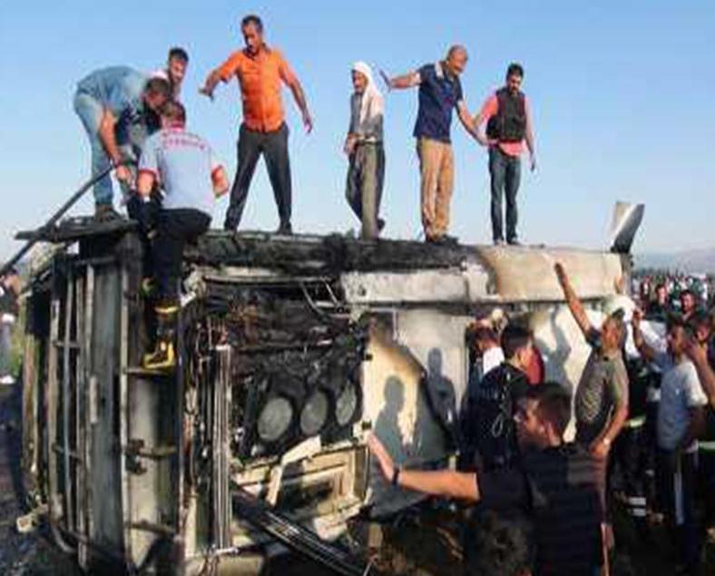 土耳其警方車輛遭炸彈襲擊