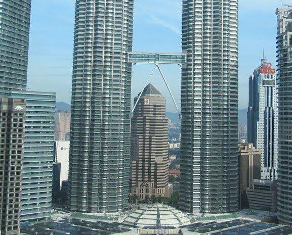 落實於馬來西亞上演