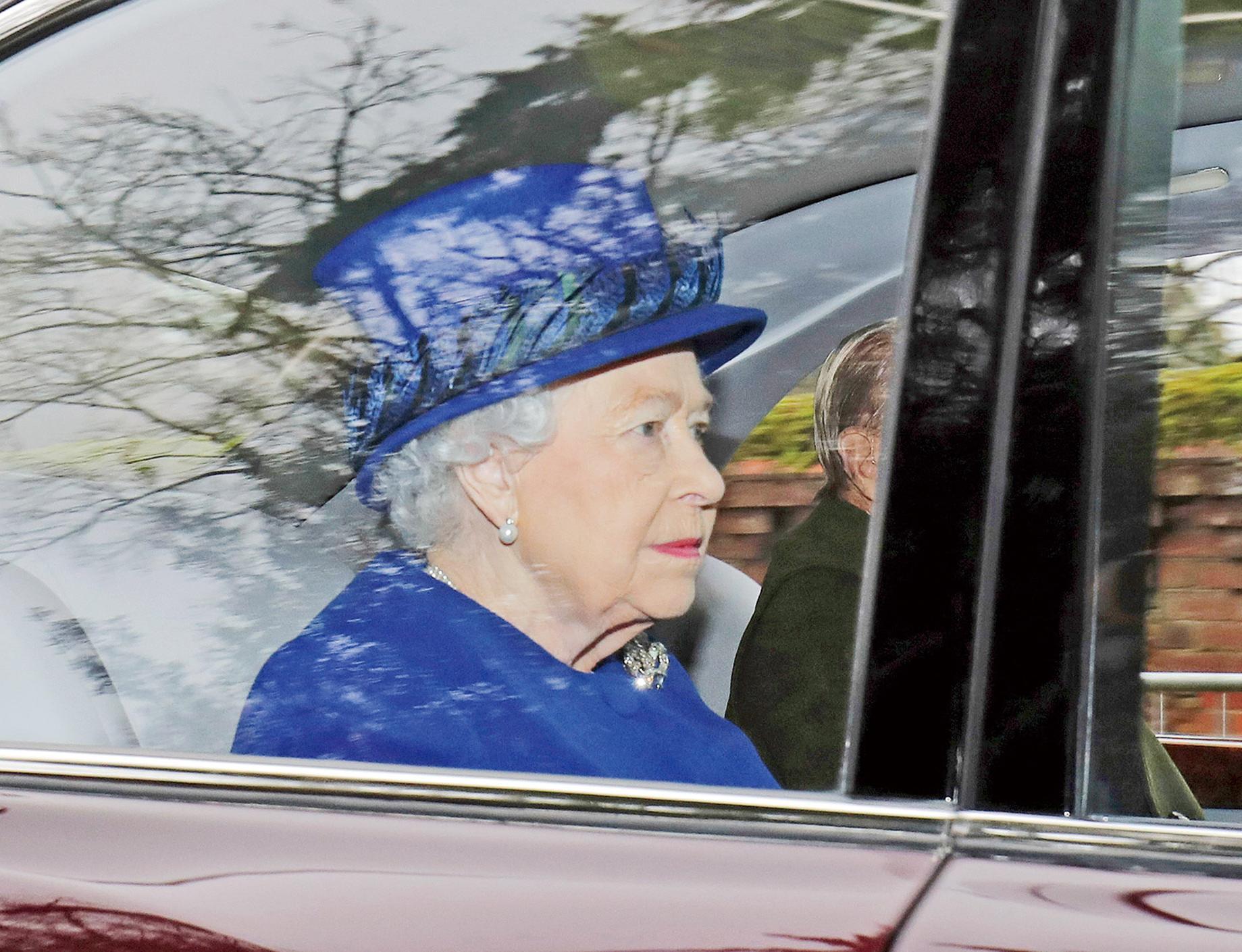 英女王康復後首露面