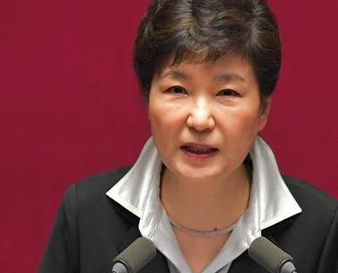 朴槿惠下令青瓦台幕僚集體辭職