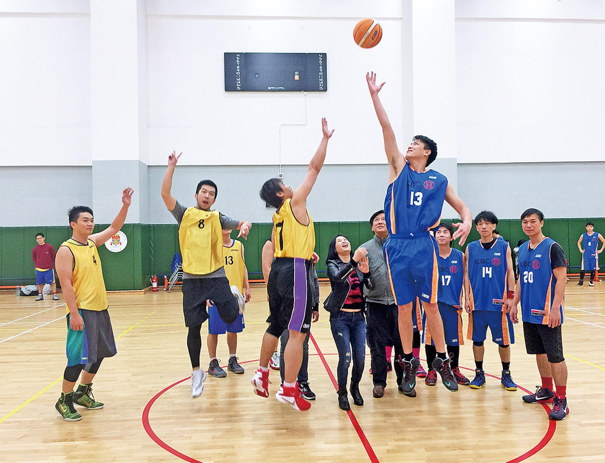 籃球賽開波
