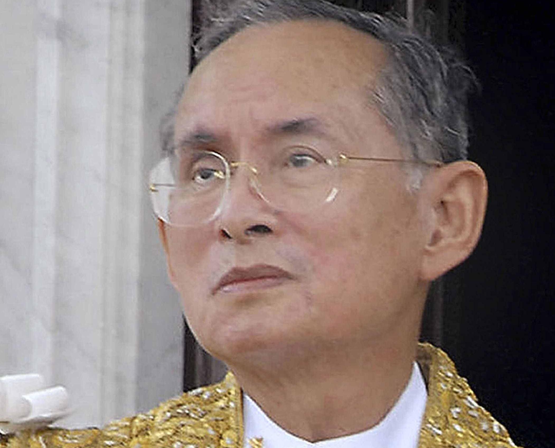 泰王普密蓬逝世