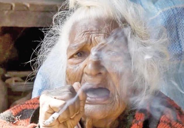 日吸30支煙