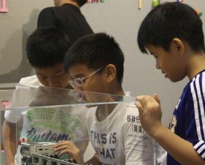 舉辦樂高為主題教育互動教室