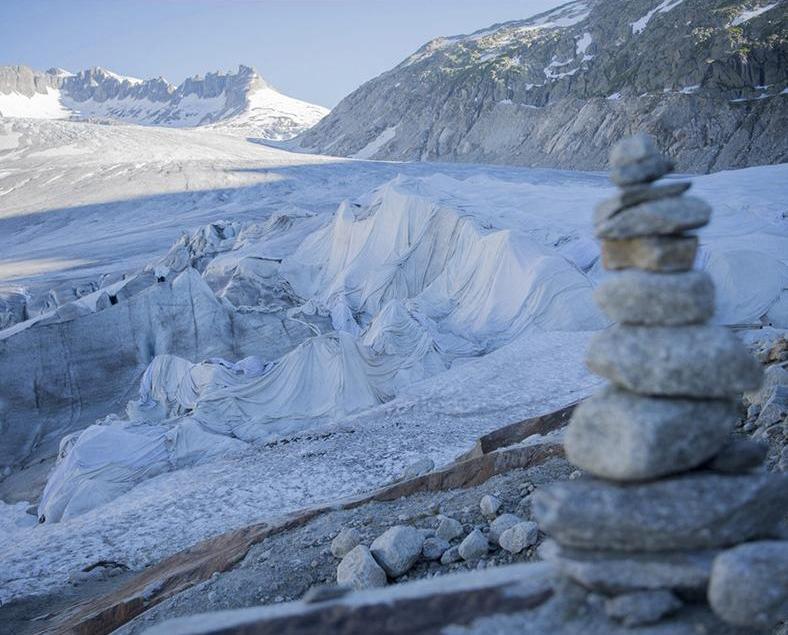 瑞士出奇招保護最古老冰川