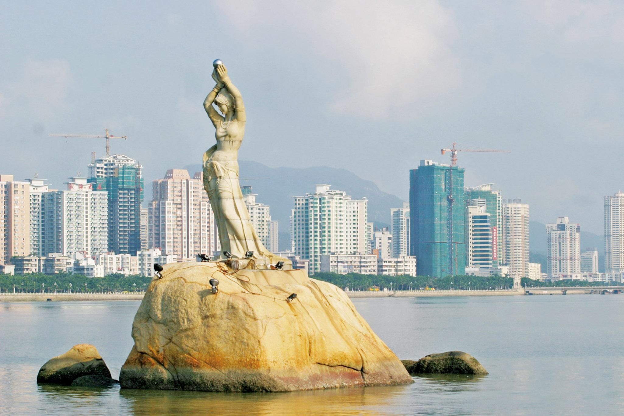 珠海渔女是珠海标志性建筑之一,珠海素来以风景宜人,适合居住著名.