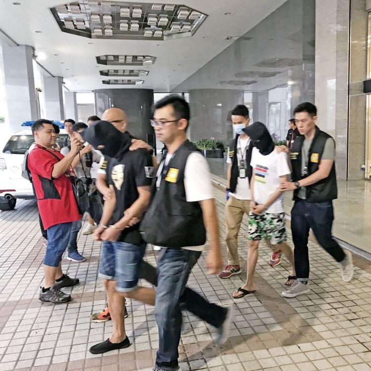 17歲雙失港青被捕