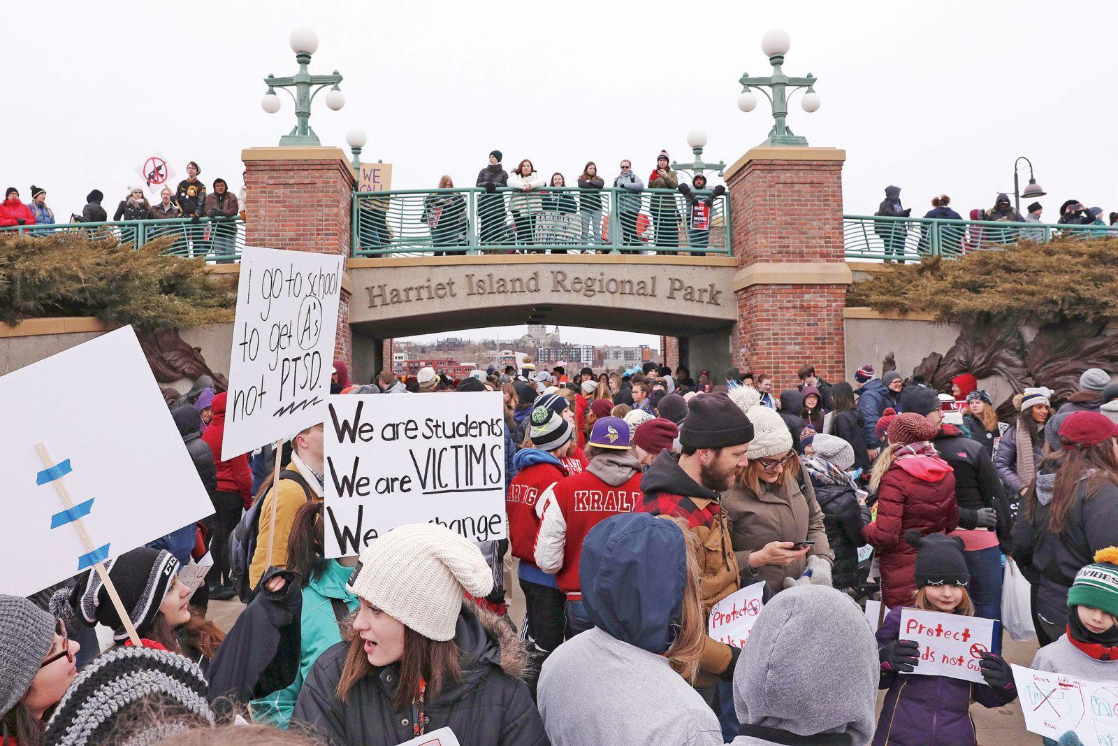 全美近百萬人示威 「為生命遊行」