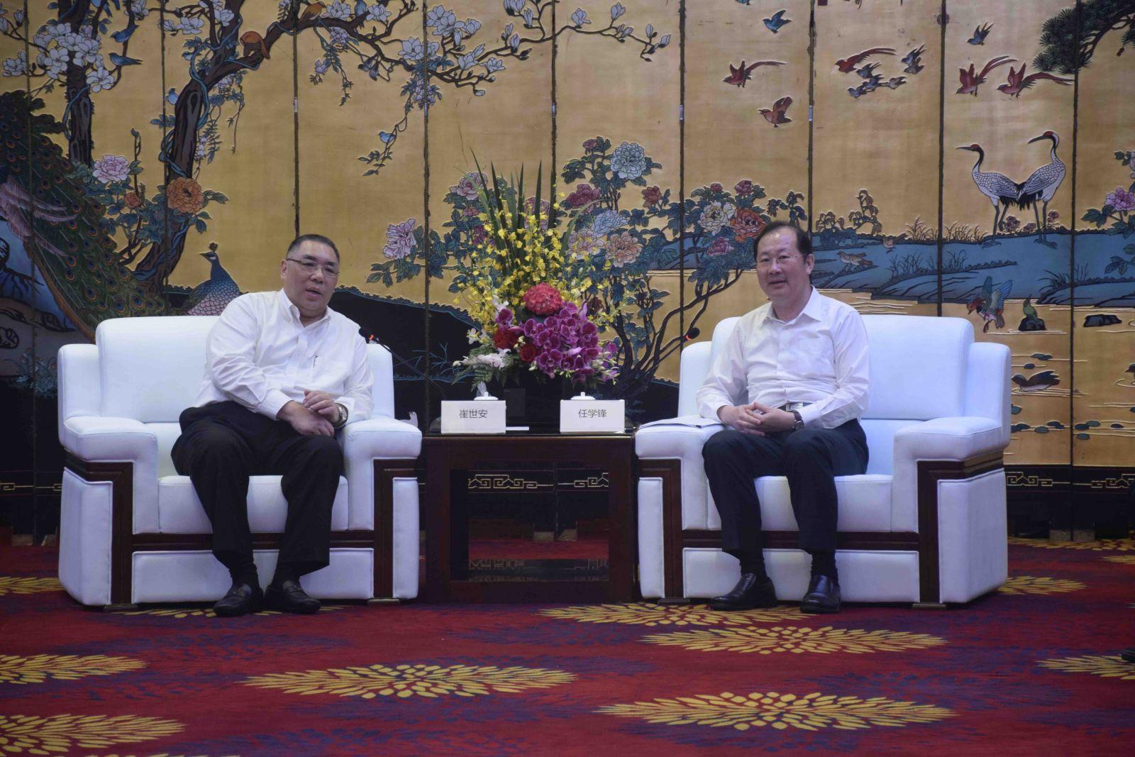 特首下午抵達廣州與任學鋒會面