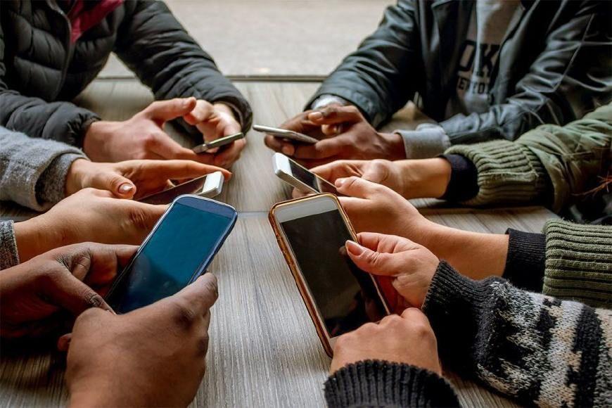 手機成癮程度僅次俄英美三國