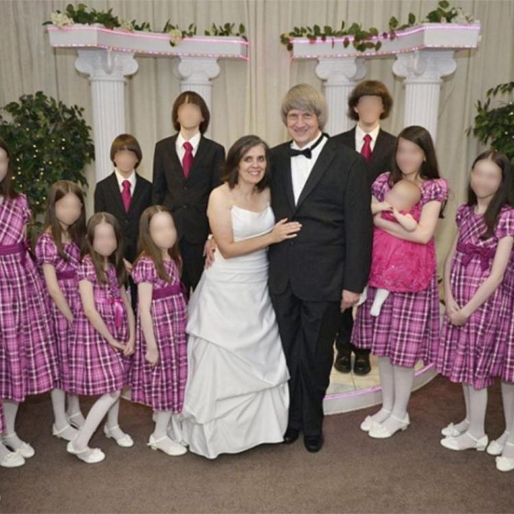 魔鬼夫婦囚13子女 成年受害者狀如兒童