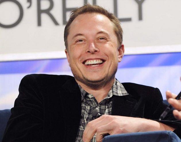 美Tesla宣布8月推出全自動駕駛功能