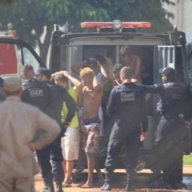 巴西監獄暴動釀九死 逾百人逃獄